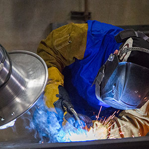 welding with air filtration unit